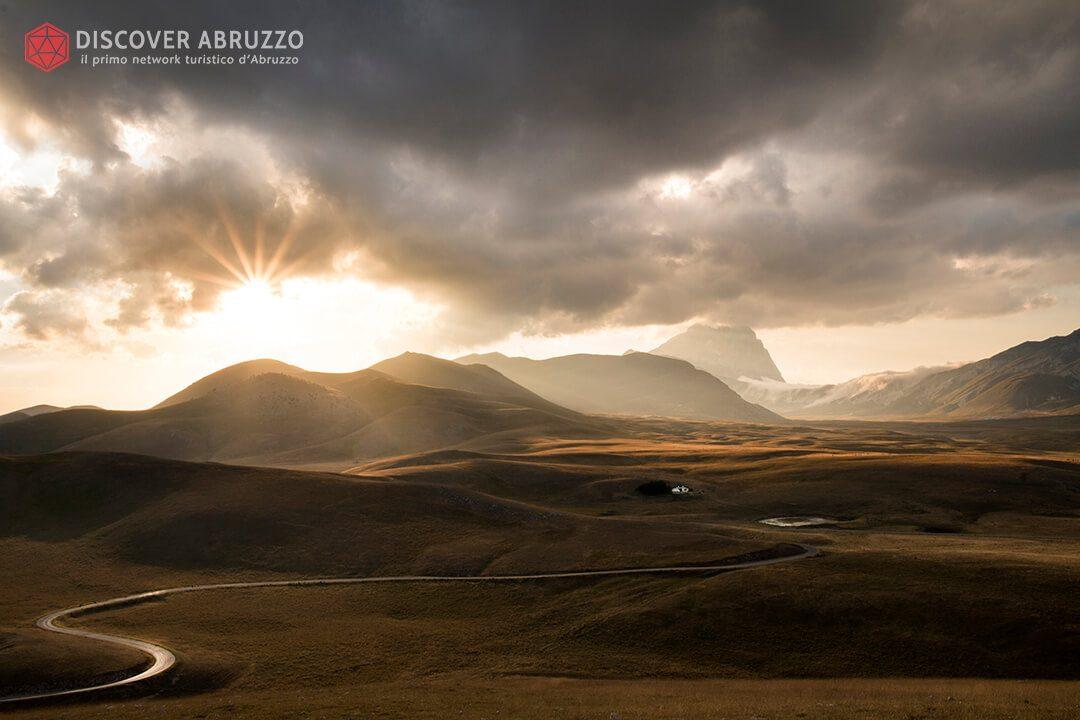 Campo-Imperatore-Moto-Turismo-Abruzzo-Gran-Sasso
