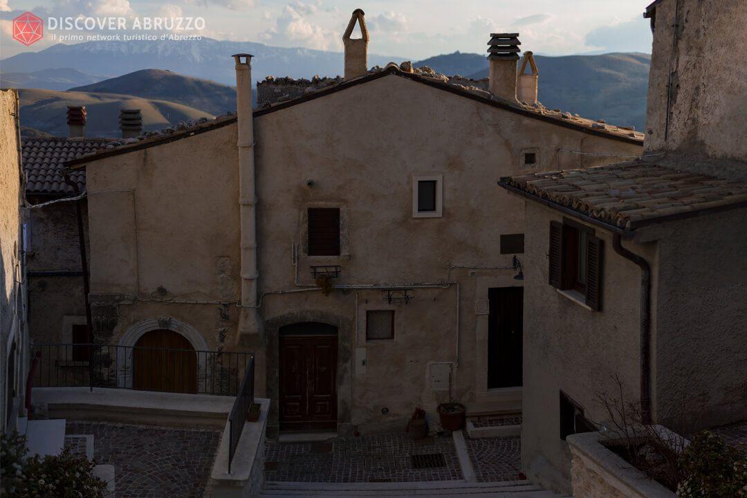 Image-borghi-CasteldelMonte1
