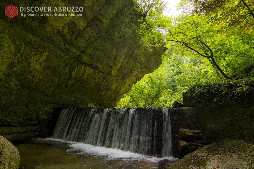 Abruzzo Trekking Escursioni Camminare Parchi Nazionali Natura Animali Valledellorfento